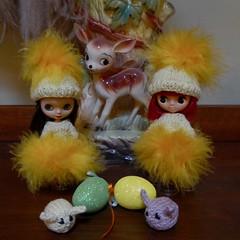 BaD March 10 -  Easter Decorations (lyndell23) Tags: blytheaday photochallenge takarapetiteblythe pbl03 rosieredpetite squigglysquirrelpetite bambi feather mochimochiland easter