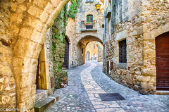 Carrer Major (casalderreyj) Tags: pals pueblomedieval carrer catalunya casaldphoto major