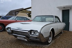 Ford Thunderbird (Monde-Auto Passion Photos) Tags: voiture vehicule auto automobile ford thunderbird blanche spider cabriolet convertible roadster rare rareté collection france moretsurloing vente enchère osenat