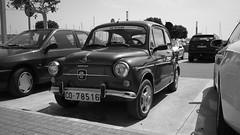 seat 600 (pepe amestoy) Tags: blackandwhite streetphotography elcampello spain fujifilm xe1 voigtländer color skopar 421 vm leica m mount