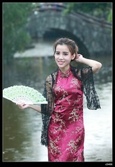 nEO_IMG_DP1U1012 (c0466art) Tags: old light portrait motion holland building girl beautiful smile face rain canon pose blood eyes day sweet gorgeous chinese young taiwan style half attractive lovely cloth charming elegant 1dx c0466art