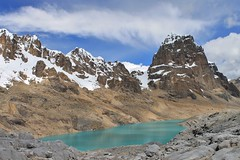 Nevados Puscanturpa and Laguna Huanacpatay.
