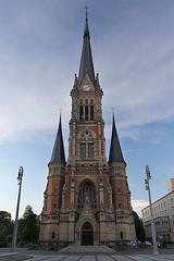 St Petri Kirche (sehender1979) Tags: city church angel canon germany eos town saxony wide kirche down sachsen 1022mm innenstadt chemnitz weitwinkel uww 60d 1022mmf3545usm