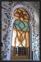 Abu Dhabi, United Arab Emirates (Wioletta Ciolkiewicz) Tags: door city capital ciudad mosque arabic abudhabi decor emirate unitedarabemirates citt zea miasto stolica sheikhzayedbinsultanalnahyan dekoracje meczet emiratiarabiuniti  emiratosrabesunidos sheikhzayedgrandmosque  uaezjednoczoneemiratyarabskie wiolettaciolkiewicz