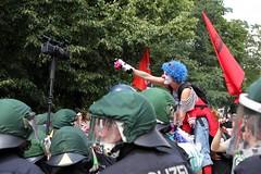 Clowns Army (bsdphoto) Tags: berlin kreuzberg demo deutschland politik refugees protest streik demonstration transparent clowns fahne deu kundgebung schule studenten schülerinnen schüler fahnen flüchtlinge unistreik studentinnen clownsarmy schulstreik geflüchtete asylstrike
