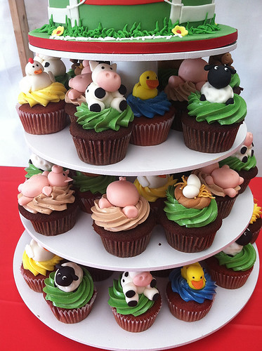 Farm Animal Cupcake Figurine Cupcakes