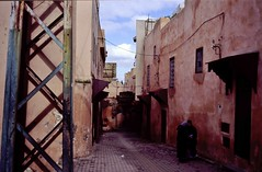 Old City (Morocco) (*Veerle) Tags: urban film slide morocco fez medina provia hexar