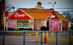 Friendly's Findlay, Ohio (Nicholas Eckhart) Tags: ohio usa retail america us friendly oh stores findlay 2014