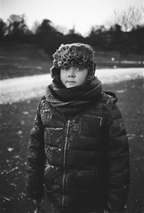 Frozen (Pezti) Tags: leica m3 leicam3 film blackandwhite black white bw friðrikdarripétursson friðrik darri pétursson stockholm östermalm gärdet kodaktmax400 leica35mmf2leitzsummicron