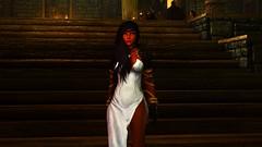 SkyrimSE 2017-03-12 11-59-57 (Xyaran aka Cromer) Tags: skyrim skyrimse skyrimspecialedition elderscrolls windhelm girls warrior booty dress armor vampire night cold skuldafn sword bow