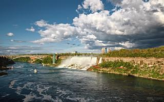 Bridal Veil and American Falls - Niagara Falls (Ontario, Canada)