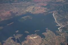 Espagne : survol barrage de Melonares (Maillekeule) Tags: vol flight window hublot spain espana espagne transavia embalse barrage melonares