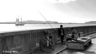 Fisherman and shooner Etoile