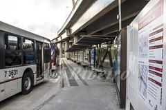 Alf Ribeiro 0221 0063 (Alf Ribeiro) Tags: alfribeiro calçada capital estaçãodetranferência mobilidadeurbana paineldeinformações paradadeônibus passageiro passageiros ponteestaiada pontodeônibus regiãosudeste transporte transportecoletivo transportepúblico zonaurbana mapa terminaldeônibusurbano terminalrodoviário ônibus saopaulo brazil