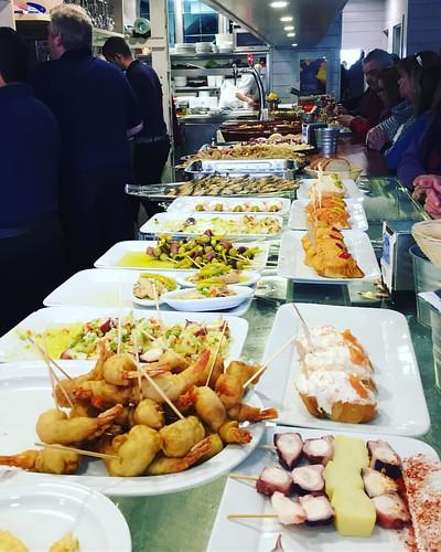 Marisquería Alfredo un lugar obligado en #castrourdiales #cantabria #cantabriainfinita #tapas #foodporn #travelfood #foodstyle #foodlovers #foodie #travelphotography #photography #photofood #igaddict #igerscantabria by @hackingfood