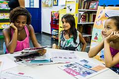 Elisângela Leite_14 (REDES DA MARÉ) Tags: americalatina biblioteca brasil claudia complexodamare elisângelaleite favela infantil mare mariaclaramachado novaholanda ong redesdamare riodejaneiro contaçãodehistoria leitura maré sem fronteiras oficina de azulejo