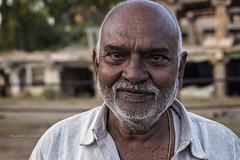 HAMPI : PORTRAIT D'UN HOMME RENCONTRÉ (pierre.arnoldi) Tags: in india portraitdhomme pierrearnoldi karnataka hampi photoderue photooriginale photocouleur