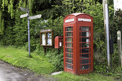 20170415-Lowsonford village (Damien Walmsley) Tags: signpost telephonebox postbox noticeboard lowsonford warwickshire village communication