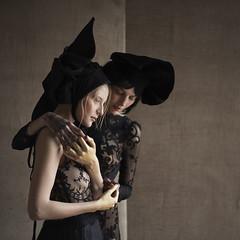 Caro and Anna (valerio magini ph) Tags: valeriomaginiphotographer portrait portraits woman women hats black beauty