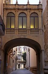 Der Bischofssitz von Trapani umfasst zwei Paläste aus dem 18. Jh., die im Besitz der Prinzen von Pandolfia und der Familie Lombardo waren und mit einem Übergang verbunden wurden. (HEN-Magonza) Tags: trapani sizilien sicily sicilia italien italy italia viapapagiovannixxiii palazzopapè casalombardo palazzopapèlombardo