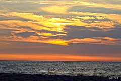 Pinceladas en el cielo (Gaby Fil Φ) Tags: oceánopacífico zorritos tumbes puestadesol sunset atardecer atardeceres costanortedeperú costaperuana playas playasdeperú playasdelnortedeperú perú sudamérica naturaleza sun sol mar