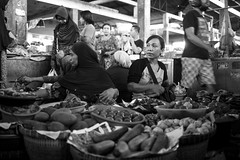 Pasar Cakranegara, Mataram, Lombok, Indonesia (Sitoo) Tags: cacranegara indonesia lombok mataram pasar southeastasia asia asian island market offthebeatenpath people portrait products seller shop shopkeeper travel woman cakranegara pasarcakra