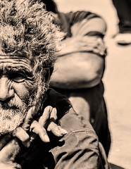 hard life (farhad_nateghian) Tags: gipsy life leben hardlife hard tired müde wrinkle wrinkles falten man mann oldman altmann gruber grubber ziegeuner unfair poor poorman arm bear eye looking