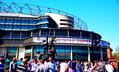 Arrival at the Home of Rugby (Worthing Wanderer) Tags: twickenham theclash leicester bath rugby union aviva premiership stadium crowd sport