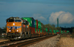Kansas Storm Lighting (Jeff Carlson_82) Tags: up uprr unionpacific ge kg4lbx kg4lb doublestack intermodal perry ks kansas kansassub ac45ccte es44ac 6255 patched sp evergreen 40 containter train railfan railroad railway clouds