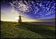 Vlissingen Oranjemolen Zonsopkomst (glessew) Tags: windmill molen mühle moulin vlissingen flushing zeeland walcheren nederland sunrise zonsopkomst schelde westerschelde oranjemolen