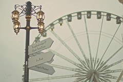 Angel's Market (sonia.sanre) Tags: mercado farola lights neutral white señal signals vintage wheel noria market angel