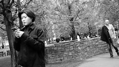 Friday, Lunchtime (Darryl Scot-Walker) Tags: blackandwhite streetphotography street london bw docklands urban city candid covert documentary people business