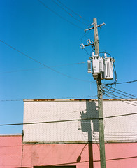 00400010 (alexdotbarber) Tags: 1125 120 6x7 c41 houston kodakportra160 mamiyarz67proii mamiyasekor110mmf28 analog analogphotography blue brick colornegative f32 manualfocus mediumformat sky
