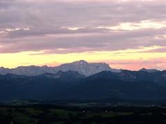 Alpenpanorama der Zugspitze bei Sonnenaufgang (Deutscher Wetterdienst (DWD)) Tags: sun weather clouds wolken berge alpen sonne sonnenaufgang observatorium wetter dwd wetterdienst hohenpeisenberg