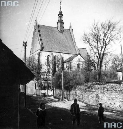 Kościół św. Zygmunta, lata 30-te XX wieku (NAC)