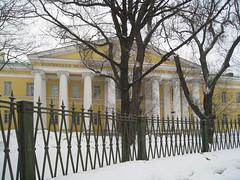 Mariinskaya bolnitsa (hospital) at Liteiny Prospekt, 56 (Fotorus) Tags: winter snow fence hospital stpetersburg russia saintpetersburg spb liteinyprospekt mariinskayabolnitsa