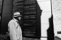 (Pim Geerts) Tags: street shadow sun man hat germany deutschland photography coat gr jas schaduw ricoh zon rheinland pfalz duitsland hoed bernkastelkues straatfotografie