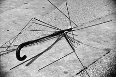 (Bonny van Straten) Tags: street summer blackandwhite portugal netherlands umbrella blackwhite zwartwit outdoor lisboa lisbon streetphotography september zomer lissabon stad paraplu buiten 2014 d300 straatfotografie nikond300