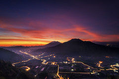 Night of Pinggan (eggysayoga) Tags: city longexposure light sky bali cloud night sunrise indonesia evening nikon tokina mount trail batur kintamani pinggan 1116mm d7000