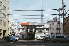 (wenninparis) Tags: urban japan tokyo streetphotography fujifilm asakusa japon urbanscene skytree wenninparis x100s