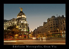 Edificio Metropolis (razor73) Tags: madrid longexposure canon nightscape traffic trails sigma via nightime gran metropolis 35 1020 70d