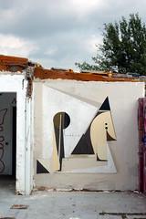 Rapido Lopez 8 (www.spogo.es) Tags: barcelona streetart abstract art abandoned geometric mural geometry spray urbanart cans arteurbano outdor abstractgraffiti spogo geometricgraffti