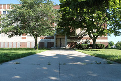 Civic Park Elementary School (Flint Foto Factory) Tags: county street city school trees red summer urban brick abandoned beautiful up site gm closed shadows michigan hometown august historic neighborhood worldwari era housing historical across dupont flint development elementary genesee boarded wartime generalmotors 2014 civicpark balkanbakery