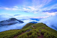 after rain (Thunderbolt_TW) Tags: cloud mountain nature canon landscape taiwan explore       tarokonationalpark nantou    hehuanshan  explored  mthehuan hohuanshan   14  fave100 hehuanshannationalforestrecreationarea