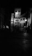 In Centro (Claudio Taras) Tags: street camera bw 120 box notte analogica trier taras rollfilm analogico