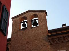 Bell-gable Bologna Oratorio Spirito Santo (Paolo Bonassin) Tags: italy churches belltower bologna steeples oratory emiliaromagna oratorio chiese santuari cappelle bellgable oratori glockengiebel campaniliavela bolognavicolospiritosanto
