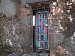 Viva Barcelona (manonvanderburg) Tags: barcelona door art kunst deur kleurrijk onderweg stoepkrijt