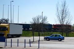2017_Április_0733 (emzepe) Tags: 2017 április tavasz hódmezővásárhely hungary ungarn hongrie train vonat zug tren treno vasút eisenbahn chemin de fer railway railroad mozdony lokomotiv locomotive engine diesel dízelmozdony diesellok loco series sorozatszámú pályaszám pályaszámú 418 146 m41 431 137 v43 electric villanymozdony szili csörgő