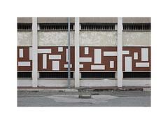 ** (ha*voc) Tags: fujifilmx100s 23mmf2 urban urbanfragments urbanabstraction pattern patterns napels napoli industrial mundane