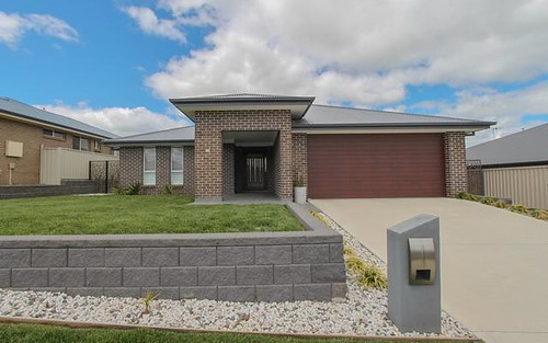 30 Amber Close, Kelso NSW 2795